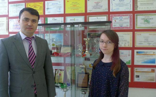 Roxana Vătămanu şi prof. Serdal Aslantas Liceul Internaţional de Informatică din Constanţa Sursa foto liceu