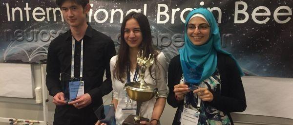 O elevă de 17 ani din România, campioană MONDIALĂ în domeniul neuroștiințelor. Competiția a fost câștigată în premieră de un european