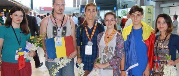 ARGINT și bronz pentru elevii români la Olimpiada Internațională de Lingvistică