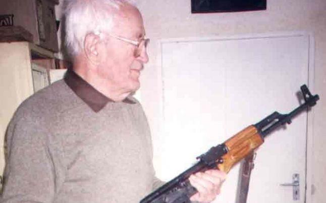 Povestea maistrului de geniu de la Cugir, care a inventat primul pistol-mitralieră fabricat în România