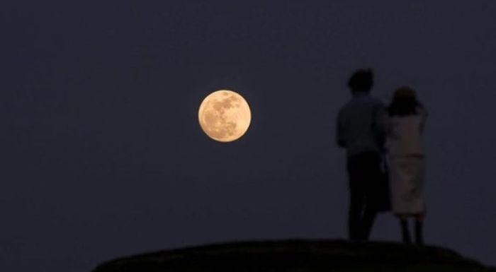 """China va lansa în spaţiu """"Luna artificială"""" pentru a rezolva problema iluminatului public"""