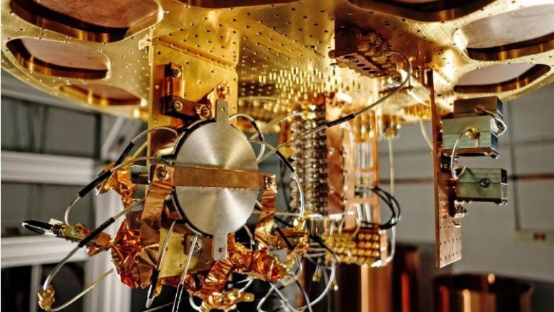 Primul computer cuantic: calcule ce ar fi durat 10 mii de ani, durează doar 3 secunde